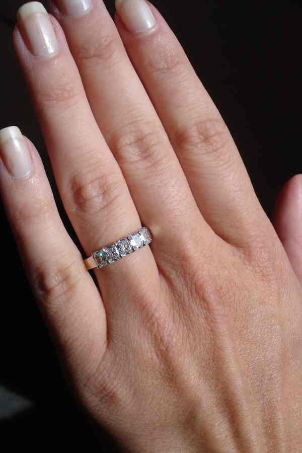 Diamond Wedding Band Platinum 95ct Cushion R2673